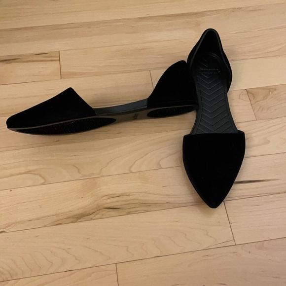 Native brand black crushed velvet flats